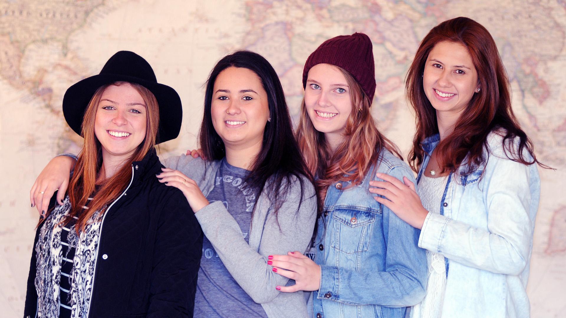Walesca, Paula, Lauren & Vanessa, travelers from Florianopolis, Brazil