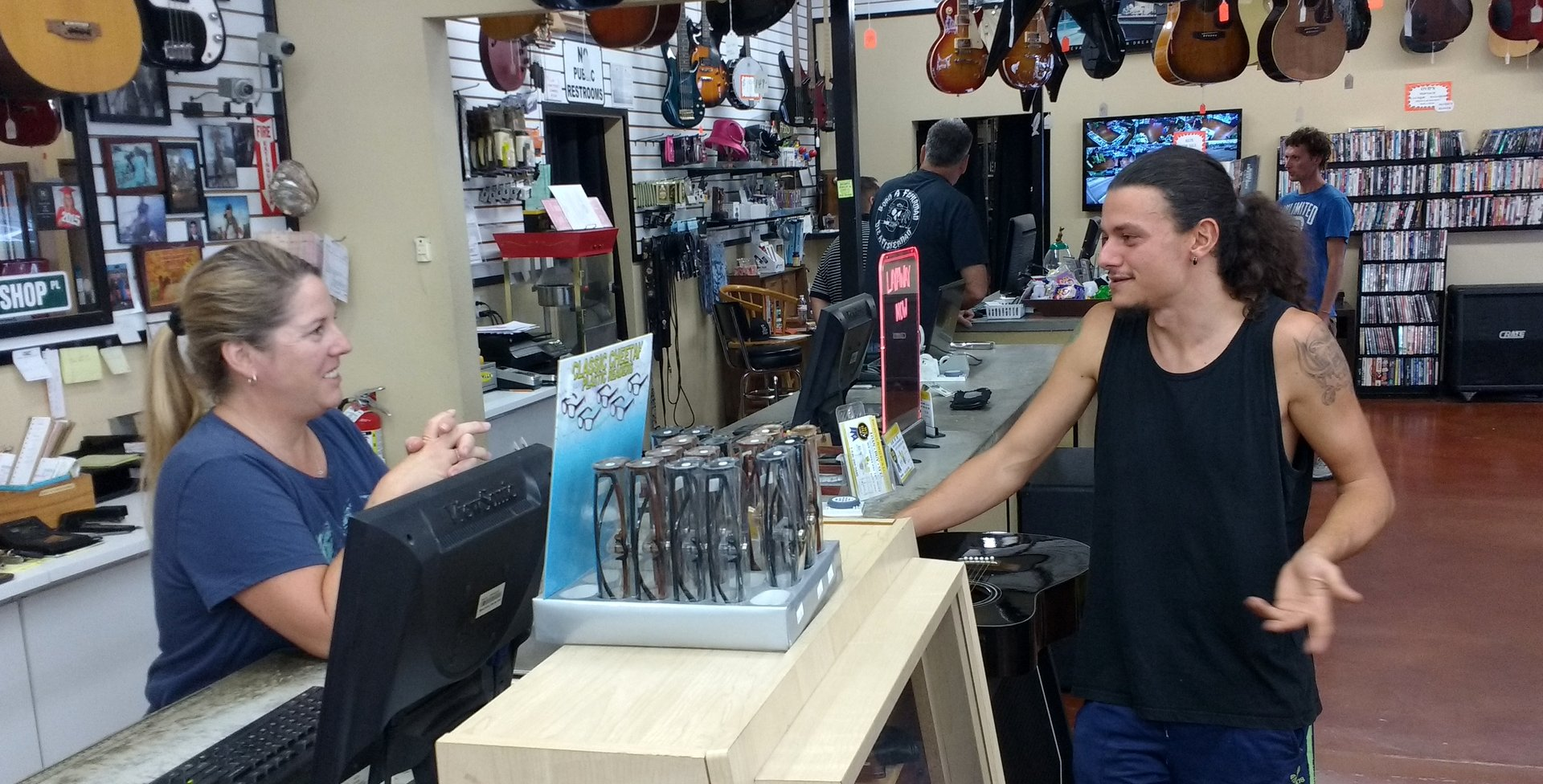 Fabio chatting with one of the people at the Pawn Shop