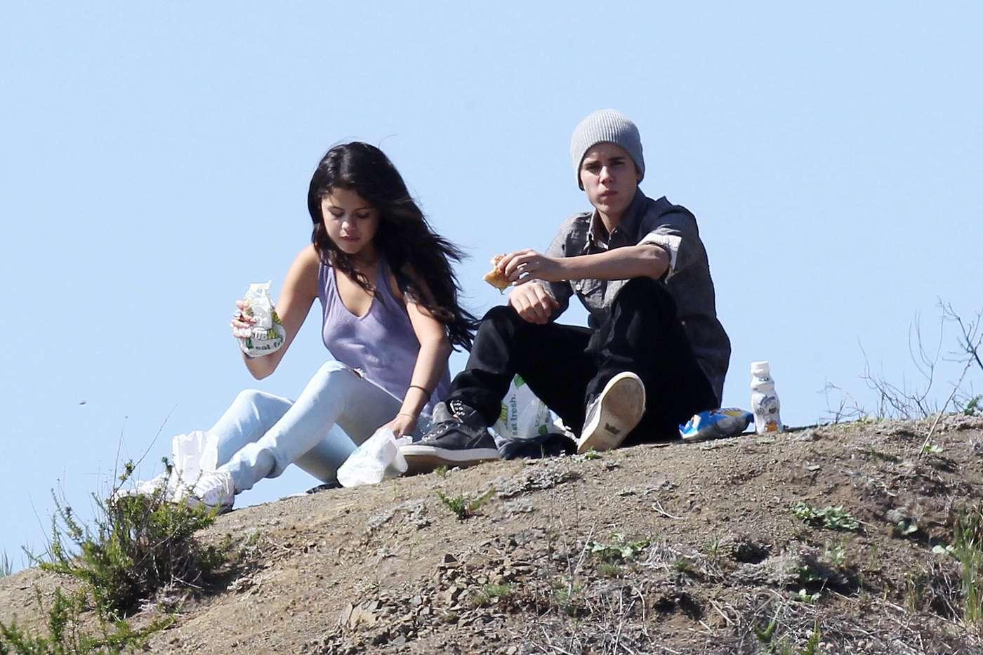Rebecca & Kamal as Gomez & Bieber