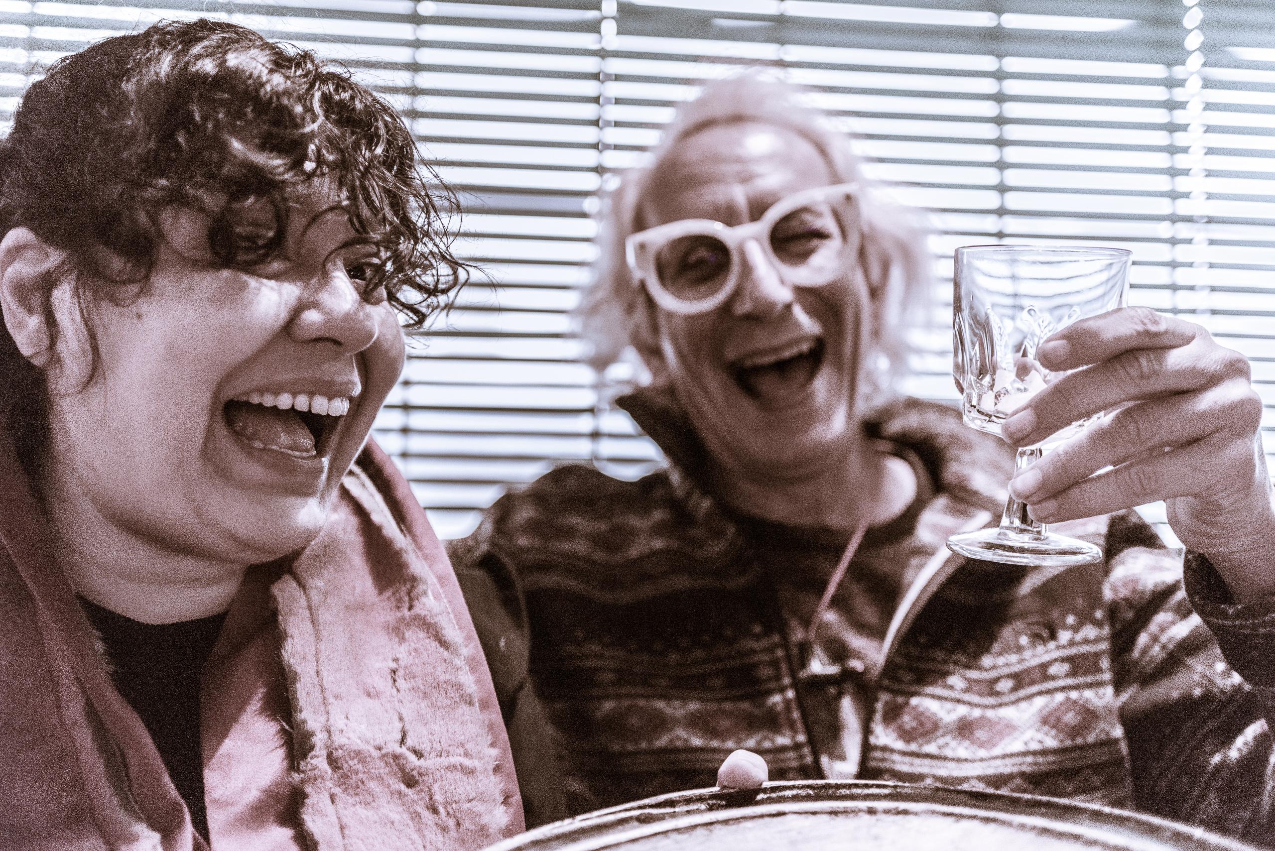 Rae Anne Robinette & Glenn Zucman having a Caesar salad & pizza lunch at Miceli's in Hollywood