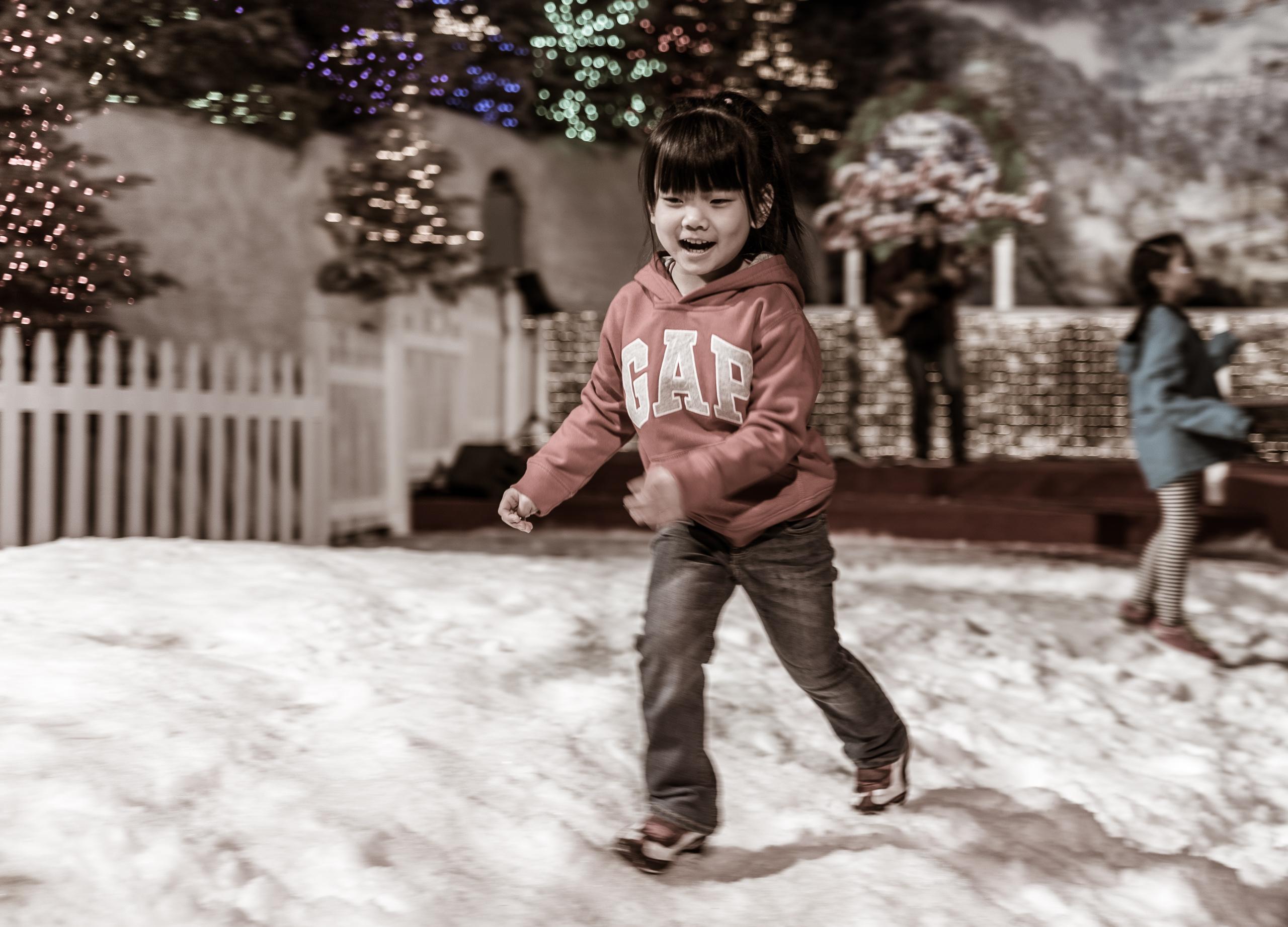Running in the snow @ L. Ron Hubbard's Winter Wonderland