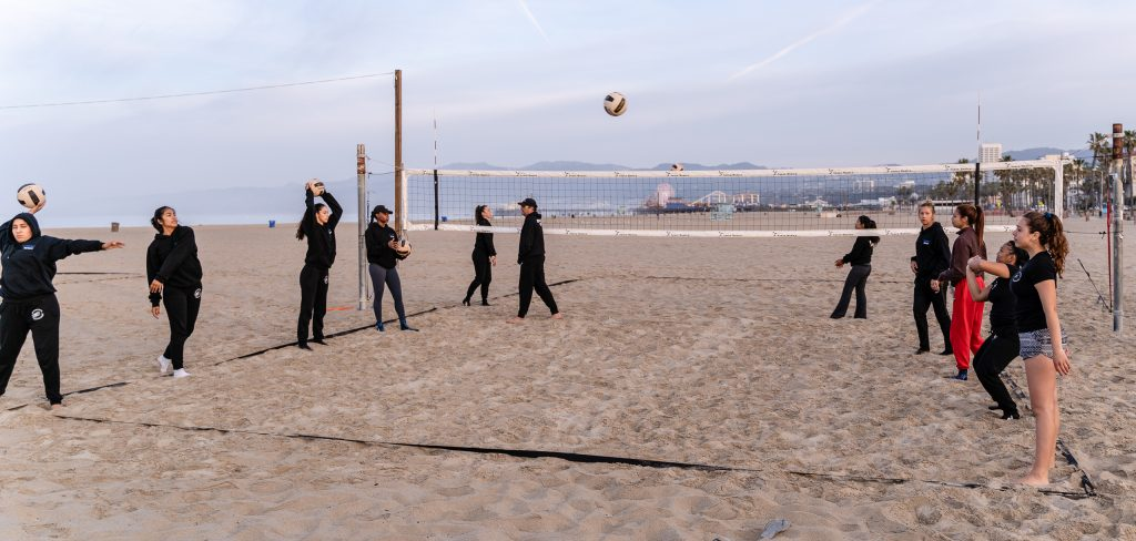 7 Am Warm Up For The SMC Beach Volleyball Team At Santa Monica Beach On Tuesday, March 26, 2019. The SMC Corsairs Beach Volleyball Season Began In February And Runs Through April 2019. (Glenn Zucman/The Corsair)