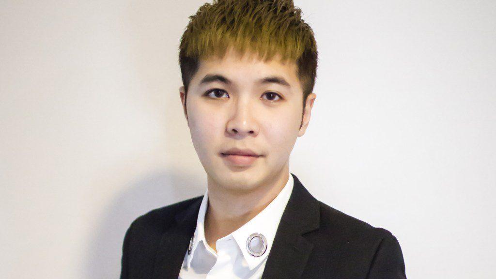 portrait of artist Alan Zeng